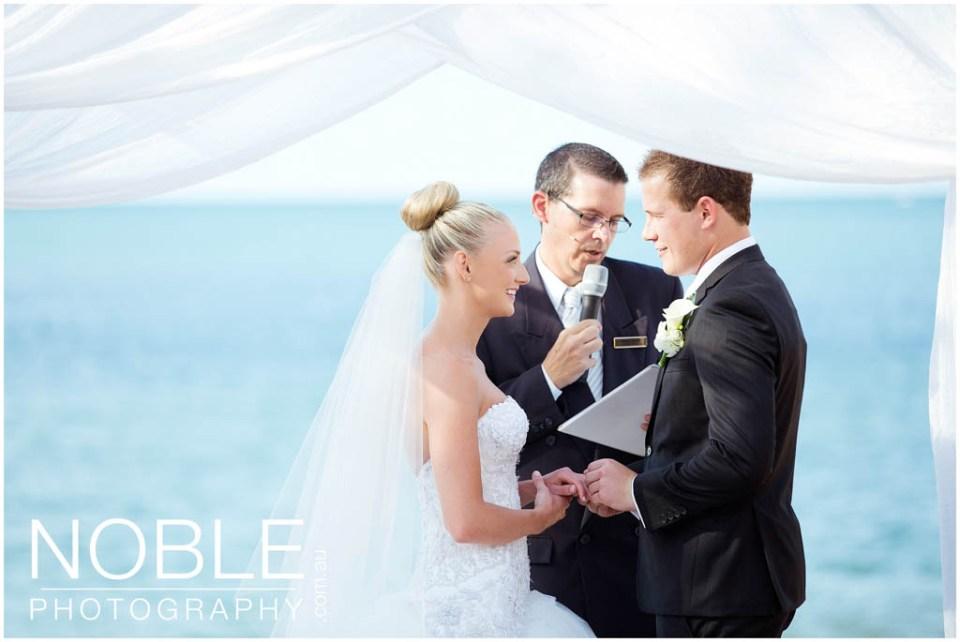 09beach-wedding-1.jpg
