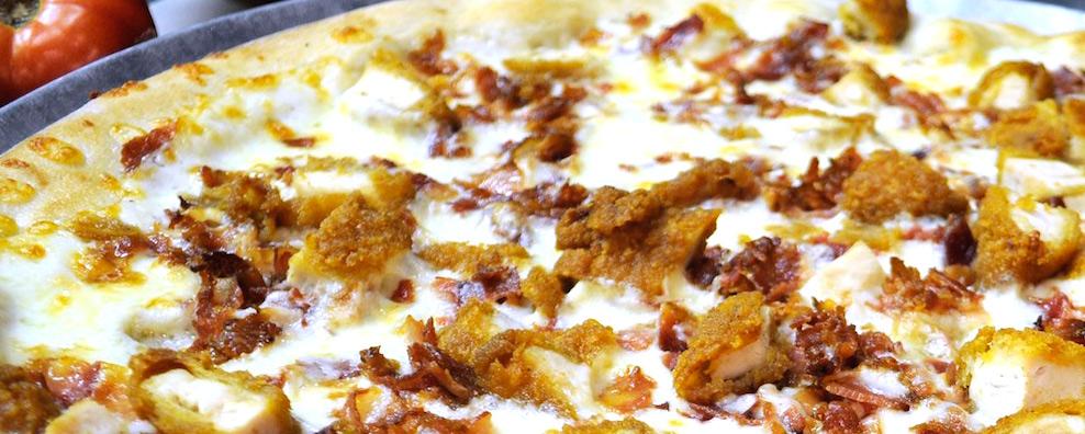 Noces_chicken_ranch_pizza