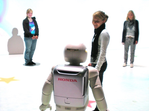 robots_and_people