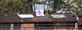 Asylum-seekers-on-the-roof-Villawood-Immigration-Detention-Centre-Sydney