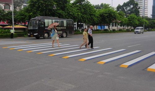 3d-street-art-prevent-speed-breakers-india-5