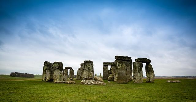 stone-henge-1055045_640