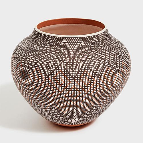 Acoma Pottery from DARA Artisans