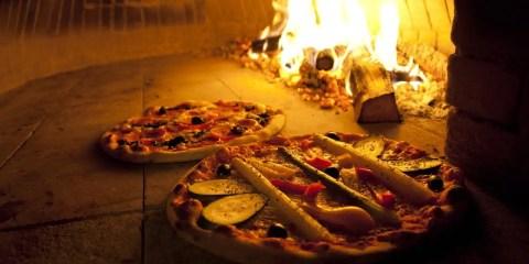 La pizza nel mondo, interpretazioni e curiosità