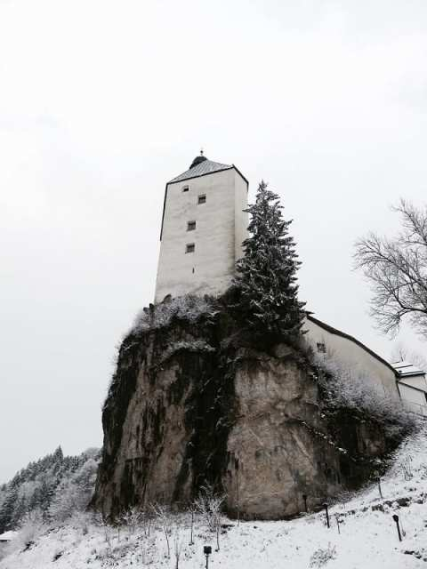 La torre del santuario di Mariastein, Angerberg - Tirolo, Austria