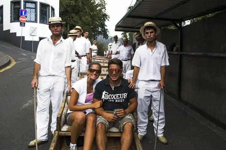 7) Foto di rito prima della partenza con i Carros do Cestos