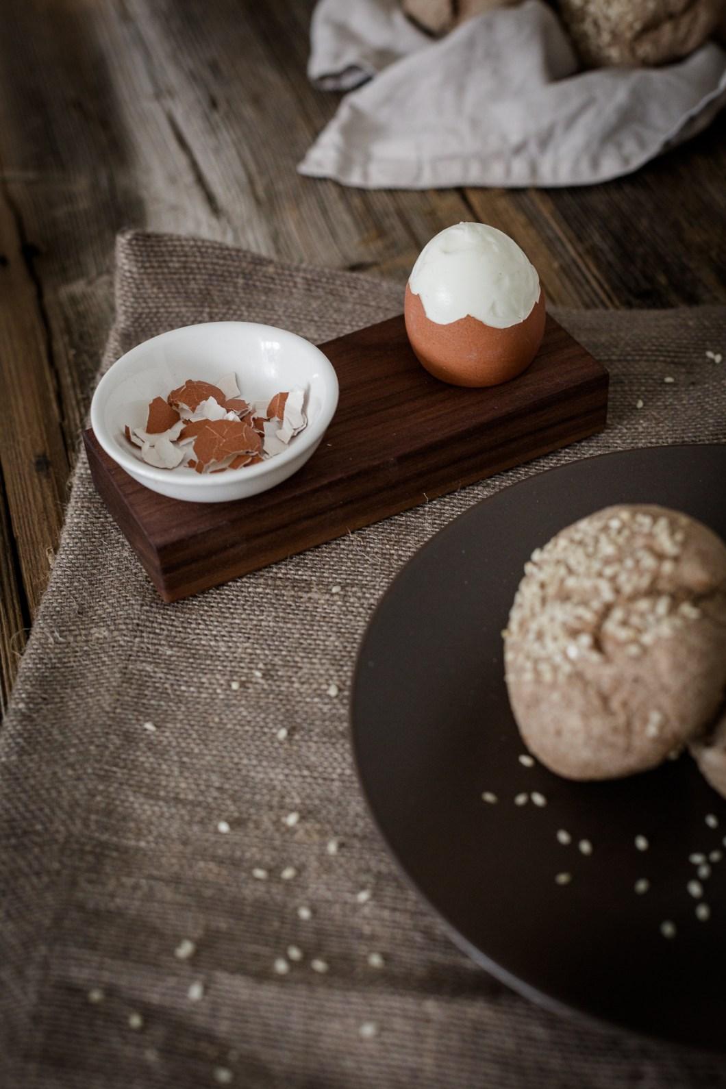 Foodfotografie von nordbrise.net Foodblog & Foodfotografie  | Sesam-Vollkorn-Weckerl | Pastries Buns Sesame Seeds