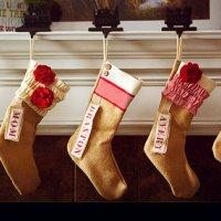 Puisi Nyentil Keimanan: Kaos Kaki (Jangan berikan kaos kaki itu pada Santa Claus!)