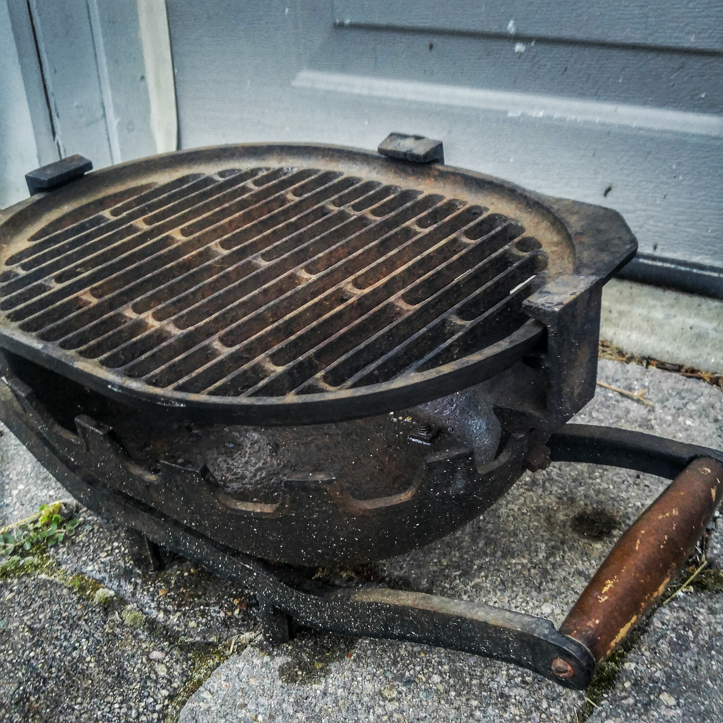 Fetching Check Out This Hibachi Iron Hibachi That Bror Inlaw Barry Found Norast Bbq Check Out This Hibachi Iron Hibachi That Cast Iron Hibachi Grill Review Vintage Cast Iron Hibachi Grill houzz 01 Cast Iron Hibachi Grill