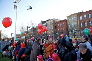 Santa Arrives in North End by Helicopter - Dec 2011 31