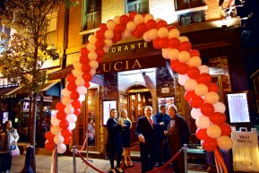 A special entrance for Lucia's 35th Anniversary