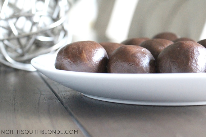 No-Bake Chocolate Peanut Butter Balls (Vegan, Gluten-Free)