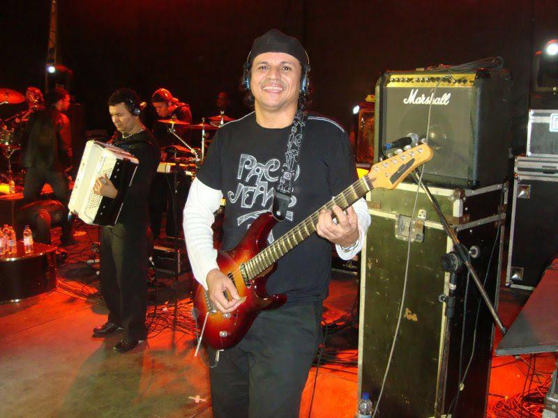 Morre o guitarrista vitoriense Apolo Natureza
