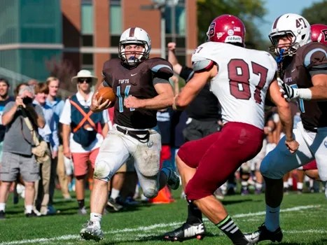 Trause taking back a punt 49 yards to the house against Bates in Week 2. (Courtesy of Tufts Athletics)