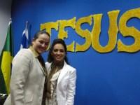 Igreja da pastora lésbica Lanna Holder continua em expansão e abre novo templo no Sul do Brasil