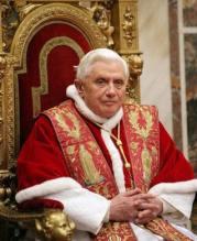 Papa Bento XVI diz que pedófilos prejudicaram a credibilidade da Igreja Católica