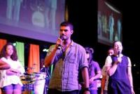 Live 2012: Encontro evangélico reúne 2 mil jovens com objetivo de ensinar como viver a palavra de Deus em ações