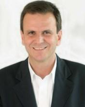 Com apoio de Silas Malafaia, Valdemiro Santiago e outros famosos líderes evangélicos, Eduardo Paes busca votos dos eleitores cristãos no Rio de Janeiro