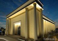 """Garota de programa faz doação à Igreja Universal para ajudar na construção do """"Templo de Salomão"""""""