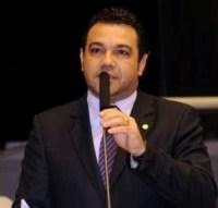 """Pastor Marco Feliciano faz alerta contra violência, convoca autoridades e propõe lei com """"pena dobrada"""" para criminosos"""