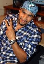 Funkeiro MC Naldo, intérprete de músicas com forte conotação sexual, revela ser evangélico