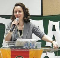 Pastora Sarah Sheeva afirma que jornalistas deturparam o Culto das Princesas e o Culto dos Príncipes