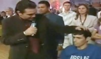 Vídeo em que pastor Marco Feliciano estipula ofertas e pede senha do cartão de fiel gera polêmica na internet