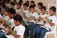 Flauta Mágica: Instituto oferece aula de música e canto a crianças e adolescentes carentes