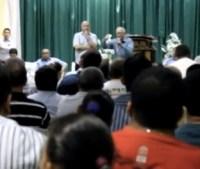 [Vídeo] Remoção de pastor assembleiano da liderança de igreja vira tumulto durante culto e fiéis denunciam escândalo político; Assista