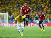 """Internautas pedem """"justiça de Deus"""" para jogador colombiano que tirou Neymar da Copa do Mundo"""