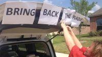 Grupo de ateus força escolas a esconderem referências a Deus de suas placas