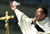 Padre Marcelo Rossi foi investigado pelo Vaticano durante mais de uma década, diz jornalista