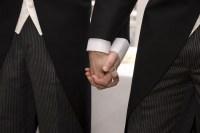 Com apoio de pastor, homossexuais movem ação contra igreja que recusou casamento gay