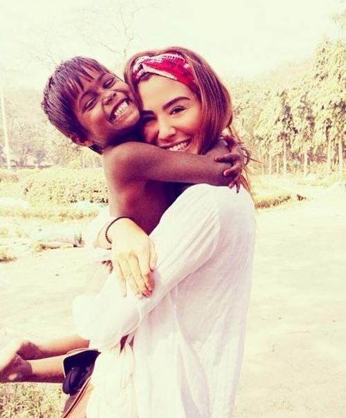 Filha de Bebeto, modelo Stephannie Oliveira conta porque abandonou a carreira e se tornou mission�ria em um lix�o