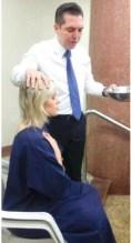 """Modelo Andressa Urach é batizada na Igreja Universal: """"Me sinto purificada""""; Assista"""