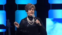 Pastora Cindy Jacobs diz ter feito mulher crescer 3 polegadas com oração e vira piada de ateus