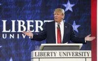 """Crescendo nas pesquisas, Donald Trump volta a dizer que vai """"proteger os cristãos"""" se eleito"""