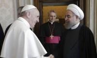 Em visita, presidente do Irã pede oração ao papa; País é um dos maiores perseguidores de cristãos