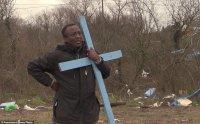 Autoridades derrubam templo cristão construído por imigrantes em acampamento na França