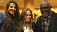 Susana Vieira participa de culto na igreja Batista Soul