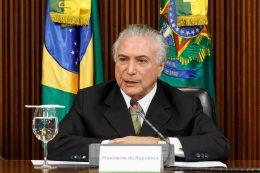 """""""Deus me deu uma missão, que eu ajude a tirar o Brasil da crise"""", diz presidente Michel Temer"""