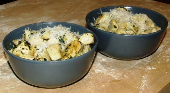Chicken in Creamy Pesto Sauce