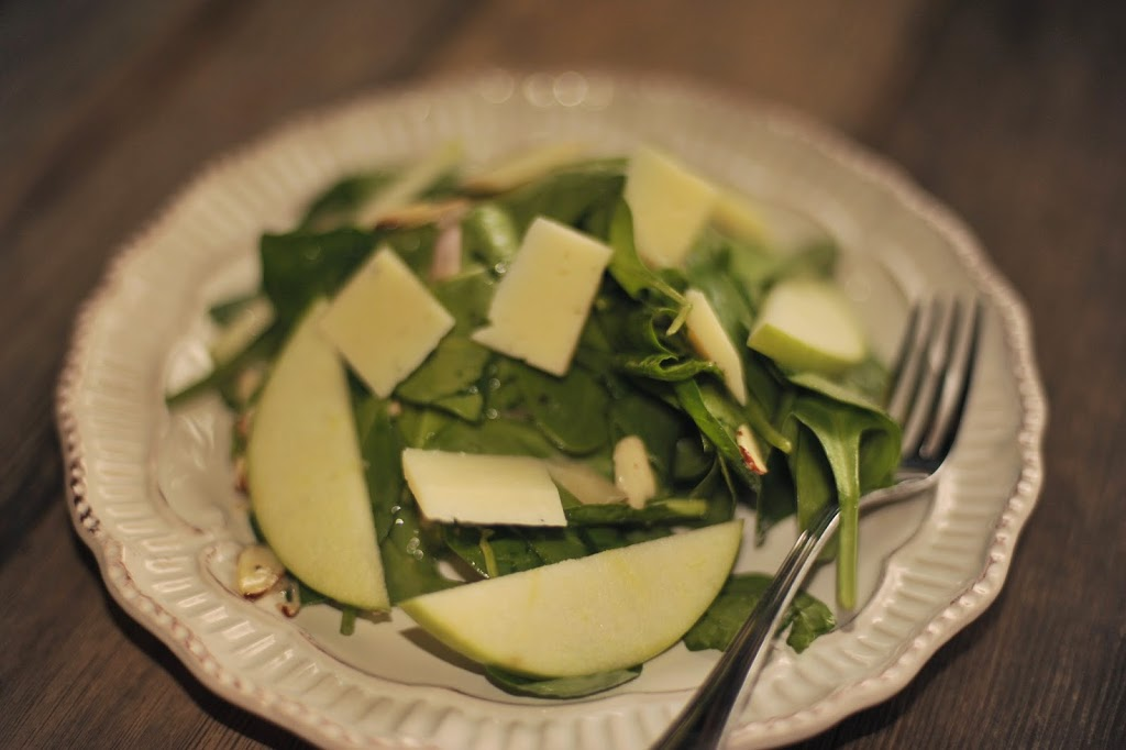 Spinach Salad with Manchego, Apples, and Almonds