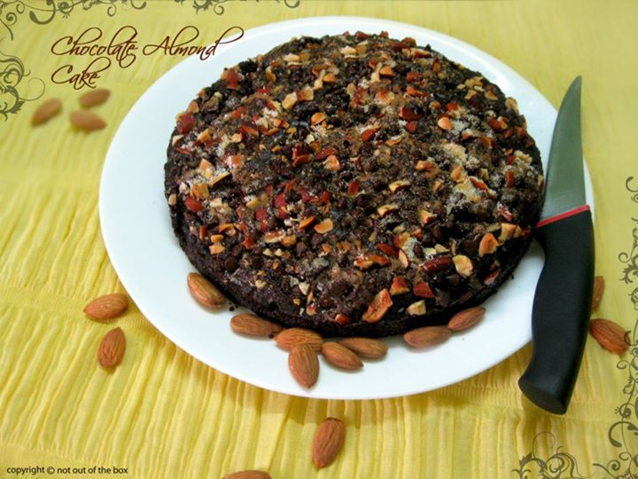 Eggless Chocolate Almond Cake