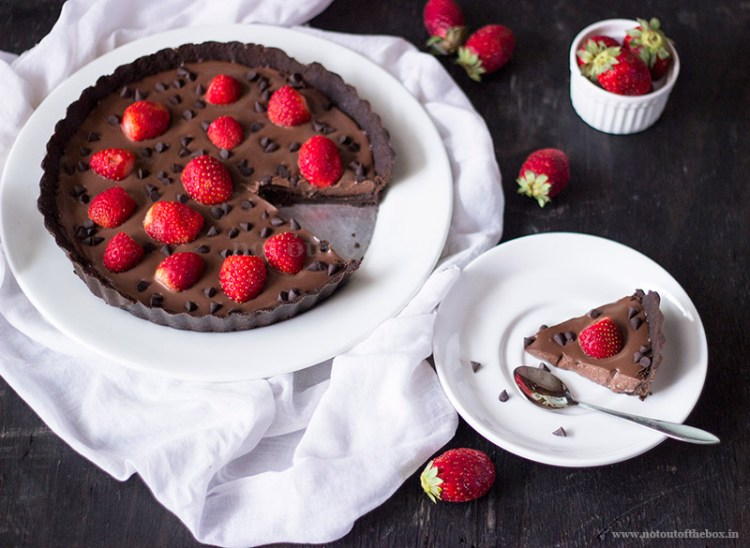 Oreo Dark Chocolate Strawberry Tart