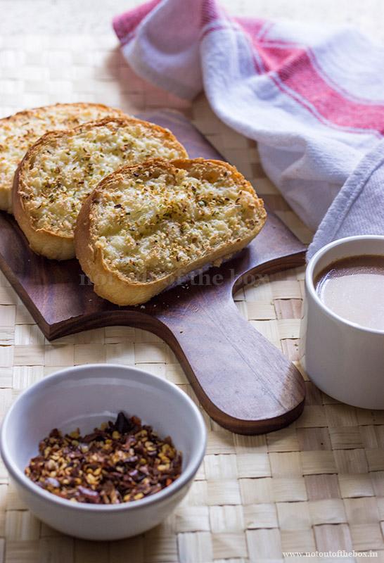 Restaurant style Garlic Breads