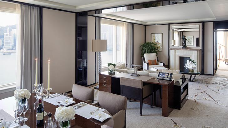 Grand-Deluxe-Harbour-View-Suite