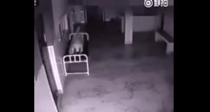 #LoMasViral: ¡Escalofríante! Video muestra como un alma se desprende de su cuerpo(+VIDEO)