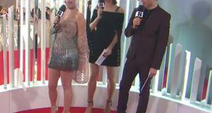 #NowNews: Katy Perry sufre incómodo momento en Facebook Live