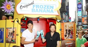 "Netflix ""Arrested Development"" Bluth's Original Banana Stand New York City Day 4 Times Square"